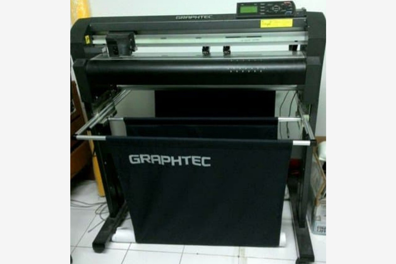 Cutting Sticker Machine